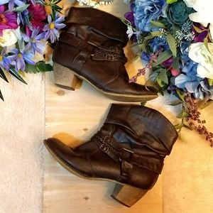 💖5/20💖 Faux Leather Booties